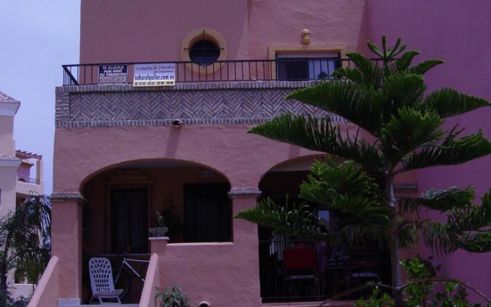 Casa adosada 4 dormitorios en Jardines de Zahara - Ref: 37