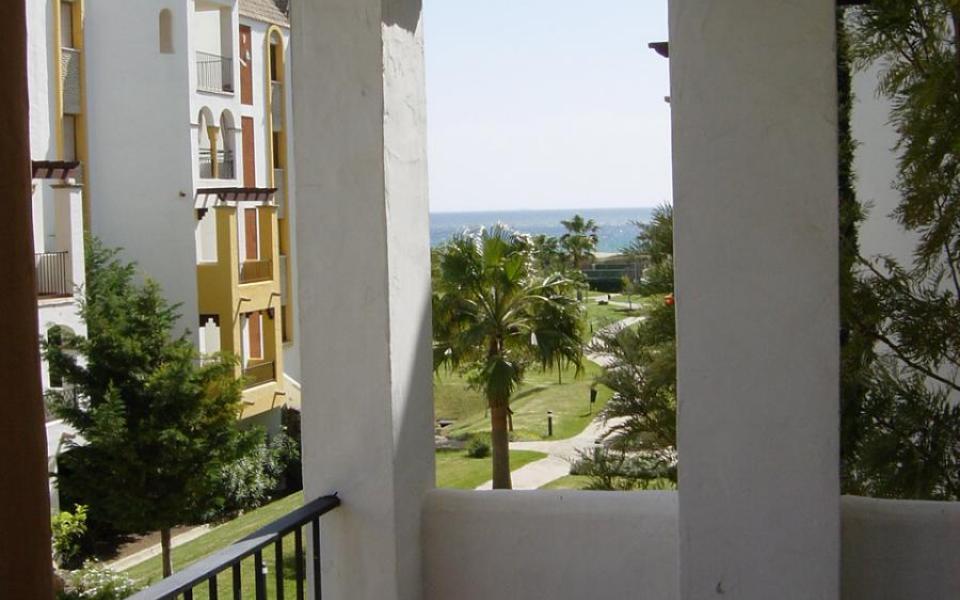 Terraza apartamentos en atlanterra playa